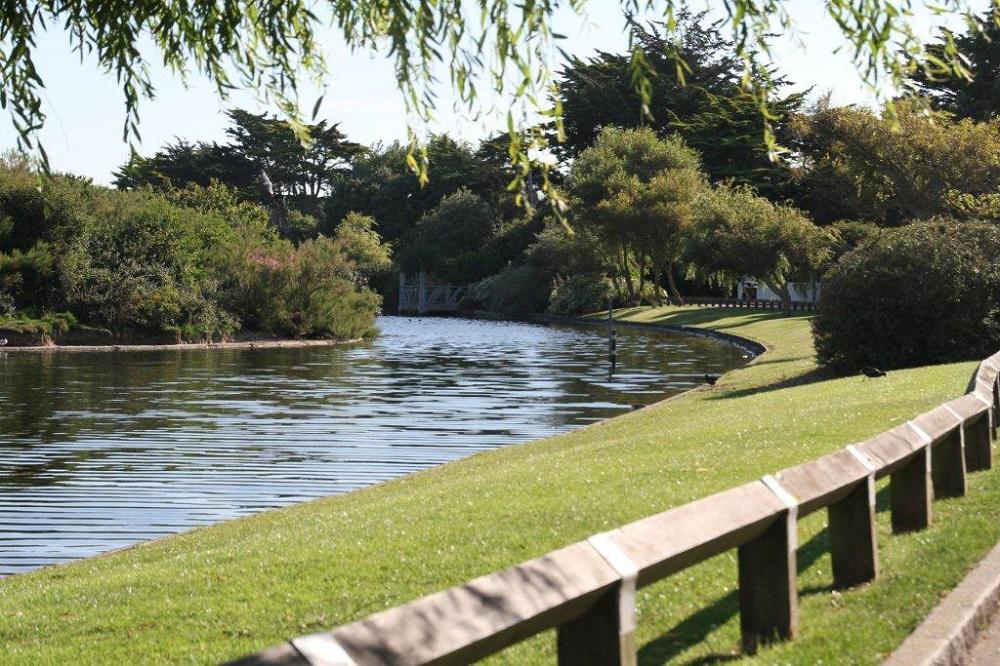 Mewsbrook Park July 2011 (1)